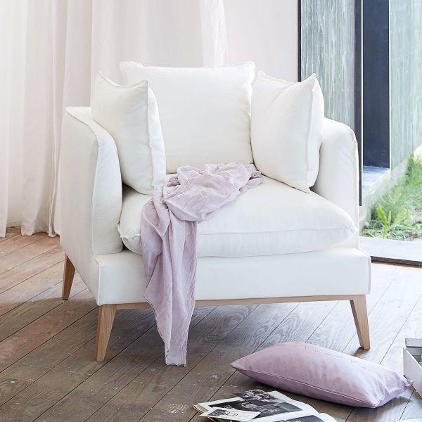 Sessel in schlichtem aber elegant-skandinavischem Design