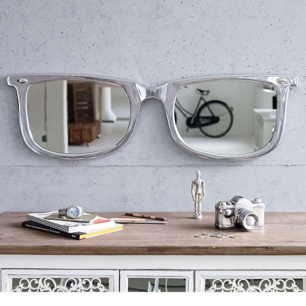 Spiegel in Brillen Optik